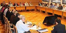 Ministerio de Energía recibe propuesta de U. de Chile sobre política energética