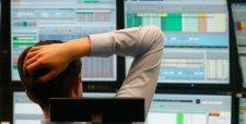 Bolsas de Europa operan con signo mixto tras caída de la confianza empresarial en Alemania