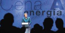 Bachelet anuncia medidas para reactivar inversión y adelantar proyectos eléctricos