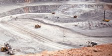 Minera de BHP enfrenta difícil momento en lo productivo e incierto panorama de continuidad