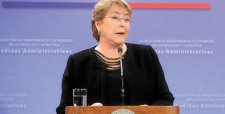 Cadem: pese a positiva evaluación del cambio de gabinete, desaprobación de Bachelet sube a 65%