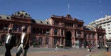 """Herencia """"K"""" en Argentina: Casa Rosada sin computadores ni agua caliente y multas en vehículos presidenciales"""