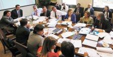 """Gobierno se jugará por aprobar la reforma laboral sin reponer las """"adecuaciones necesarias"""""""