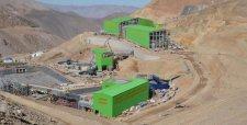 Dueña de Caserones aplica millonario castigo a su inversión en Chile por caída del cobre