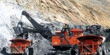 Apriete de cinturón llega a ejecutivos mineros: caen bonos y cambian énfasis para su cálculo