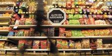 Supermercados retirarán productos de góndolas por norma de etiquetado