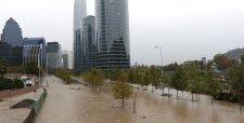 Frente de mal tiempo deja millonarias pérdidas por masivo corte de agua e inundaciones