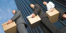 Recortes en plantillas superan a contrataciones en mayores empresas chilenas al primer trimestre