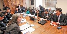Gobierno condiciona recursos para TVN a desempeño financiero