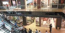 Mercado vuelve la mirada hacia el retail tras venta de activos de Walmart a ILC