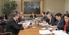 Gobierno repone tasa de rentabilidad del gas y sale al paso de plan de Metrogas
