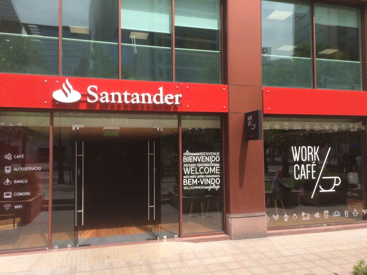 Santander chile estrena su nuevo modelo de sucursales for Sucursales banco espana