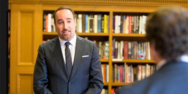 Comisión de Valores de EEUU formula cargos por fraude contra Alberto Chang
