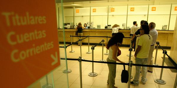 Ganancias de los bancos chilenos suben 20% a abril y acumulan US$ 1.222 millones