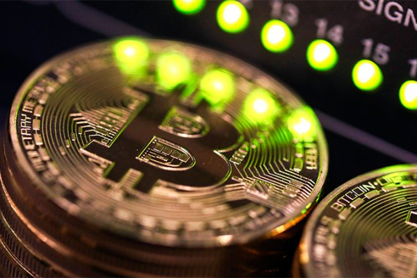 earn bitcoin play game