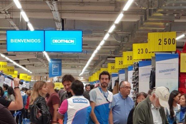 4ab7bfc7c Decathlon la rompe en Chile  tienda inaugurada el viernes ya es la segunda  de mayor venta en su debut
