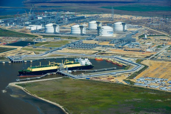 Gas natural licuado (GNL) alista su partida de Chile - Diario Financiero