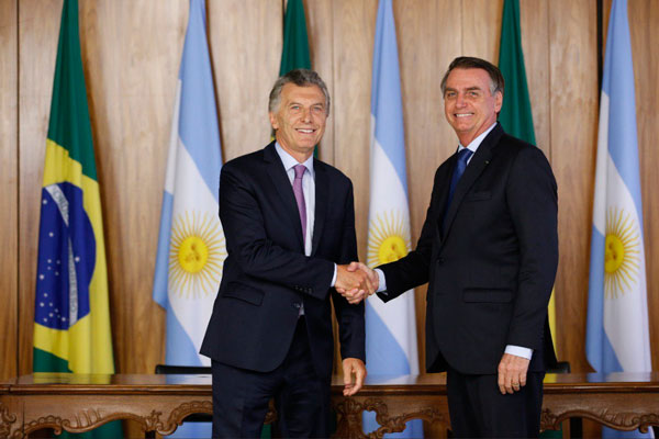 Los presidentes de Argentina y Brasil acordaron dinamizar las actividades del bloque.