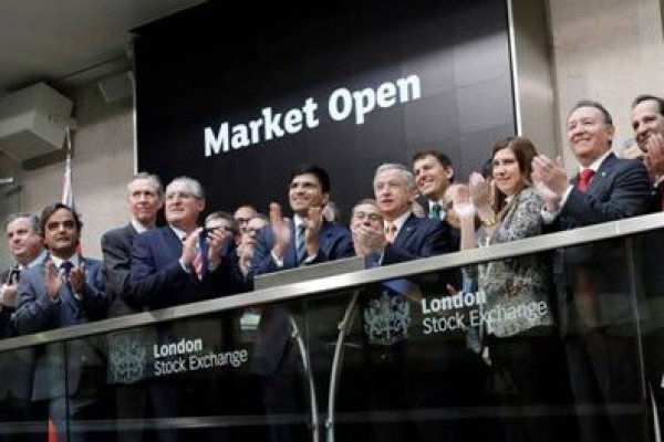 "8:30 horas ""Campanazo"" inicial en la London Stock Exchange fue el comienzo de la segunda jornada de Chile Day."