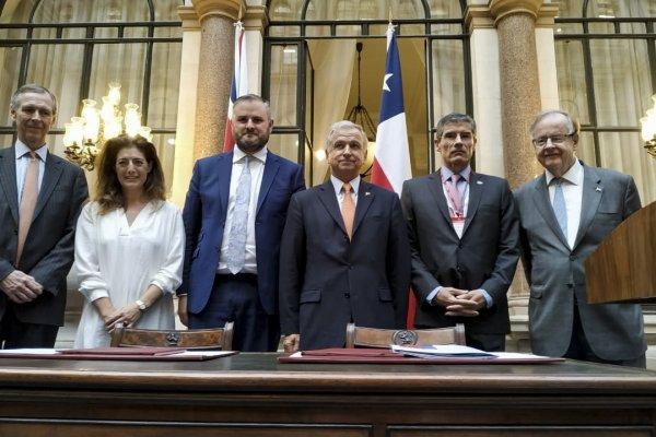 El convenio fue sellado en el marco del Chile Day 2019 (foto cortesía de Hacienda).