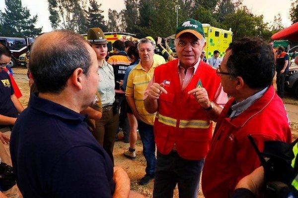 Ministro Walker confirma intencionalidad en incendios de Valparaíso - Diario Financiero