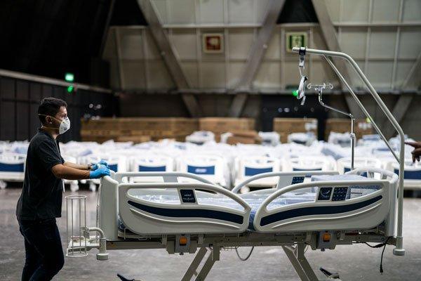 Unas 800 camas para enfrentar la epidemia se han instalado en el centro de eventos. Foto: Presidencia