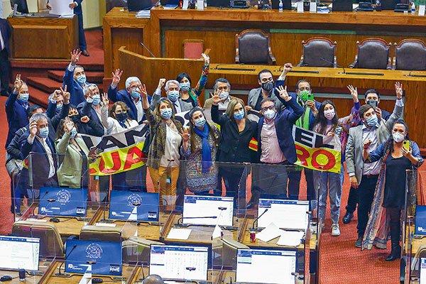 El cuarto retiro desde las AFP logró sortear la Cámara en una estrecha votación y ahora será visto por el Senado - Diario Financiero